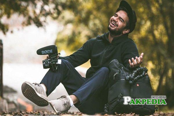 Famous Vlogger Irfan Junejo