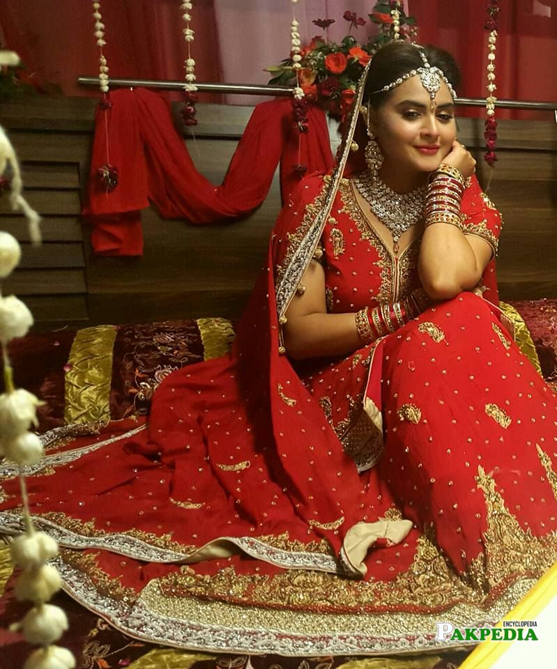 Beenish Chohan on sets of her serial