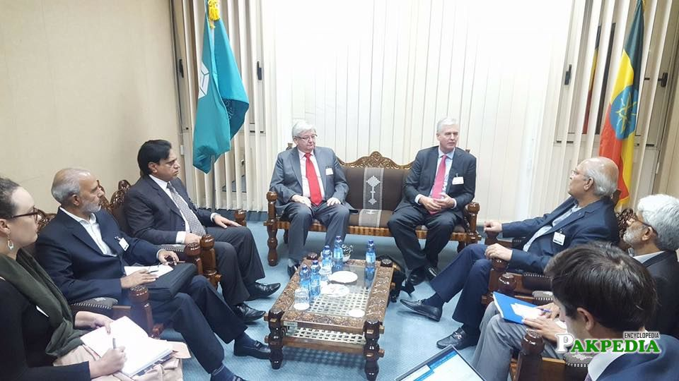Director General of Global Green Growth Assembly and his team meeting