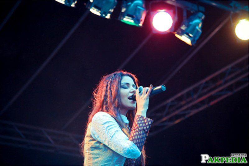 Hadiqa Kiani live in Concert