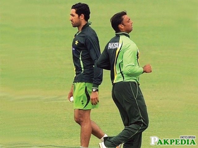 Umar Gul and Shoaib akhtar