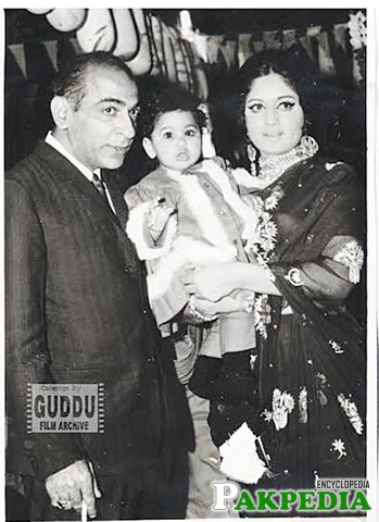 With Hassan tariq and her daughter