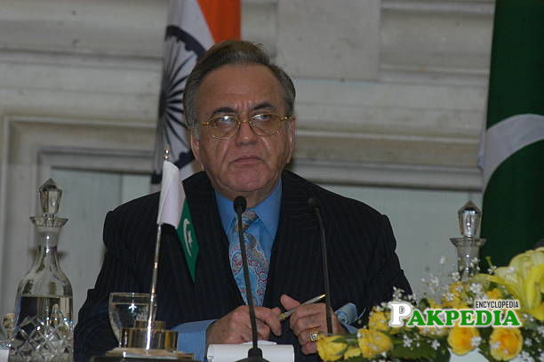 Khurshid Mahmood Kasuri in Indo-Pak Conference