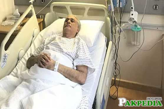 ishaq dar in hospital