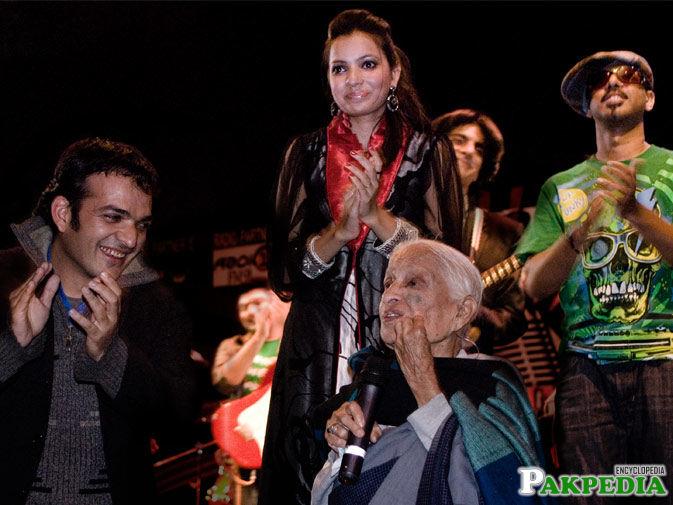 Fatima Surayya Bajia in Show