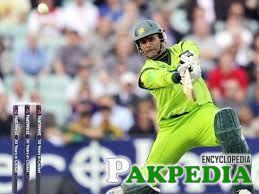 Abdul Razzaq hitted hard