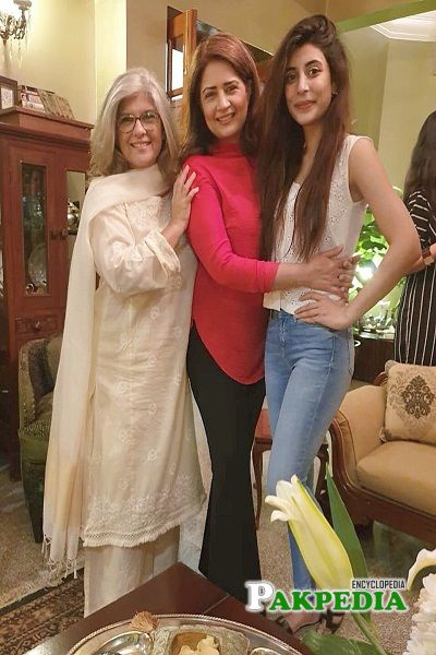 Marina khan with Urwa Hocane