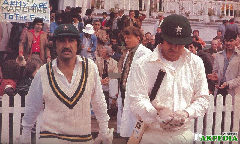 Majid Khan Going To Batting