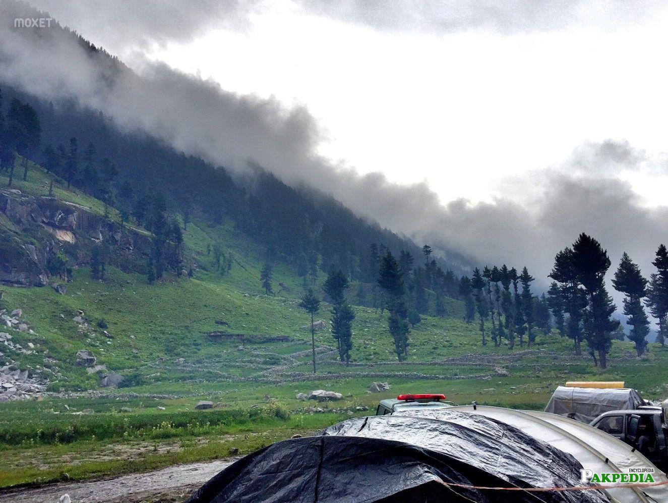 Camping in Kumrat