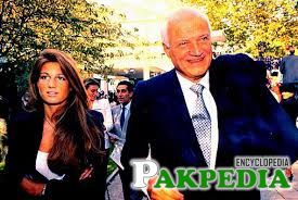 Jemima with her father James goldsmith