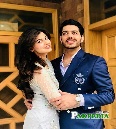Anam gohar with her husband gohar mumtaz