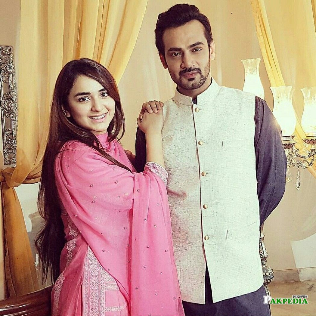 Yumna Zaidi on the sets of 'Pukaar'