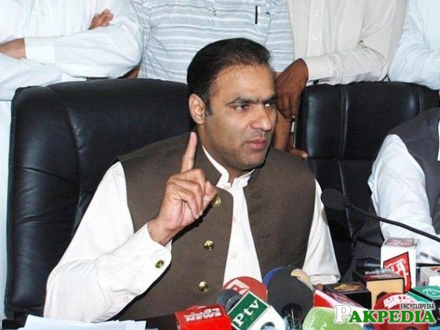 Abid Sher Ali addressing