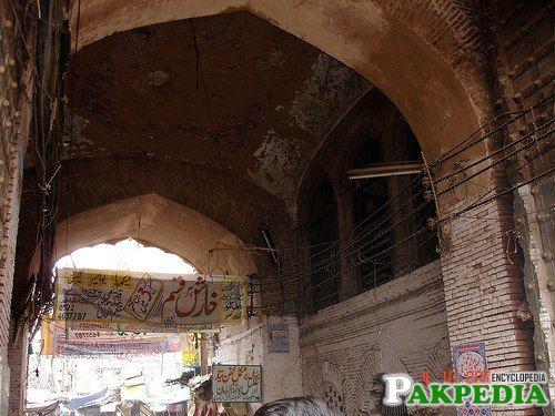 Shahhaalmi-Gate-