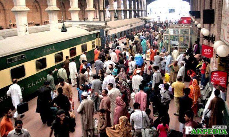 Pakistan railways to run 8 special trains on EID-UL-AZHA