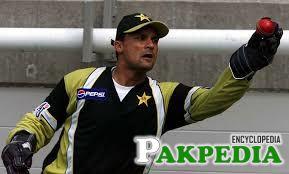 Moin Khan Picking Bowl