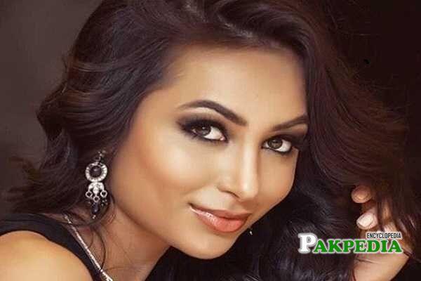 Anzhelika Tahir Biography