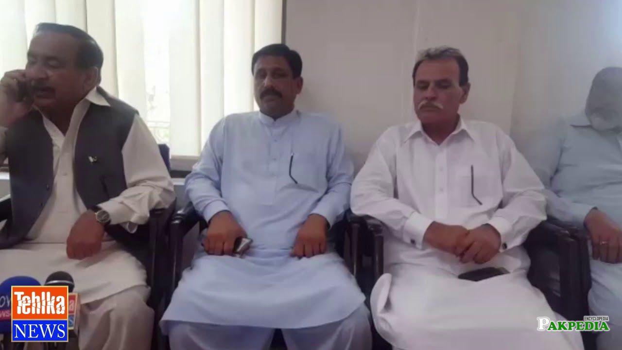 MNA Malik Itbar Khan suddenly visited the Municipal Office