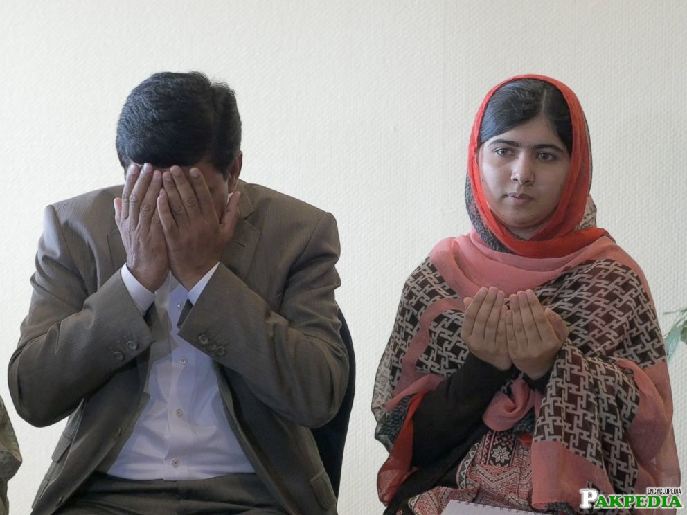 Malala Yousafzai and her father, Ziauddin meeting with parents of the Nigerian girls