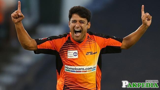 Yasir Arafat is a good bowler