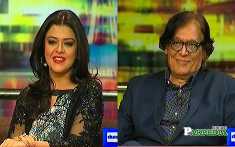 Farooq Qaiser on the sets of Mazak Raat