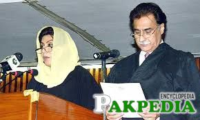 Fahmida Mirza taking Oath
