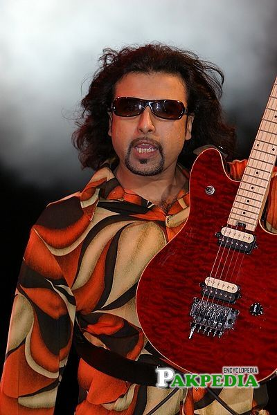 Salman Ahmad is looking cool in this picture