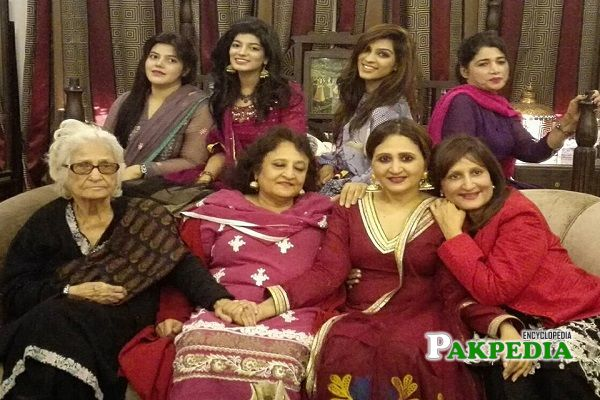 Asma Abbas family