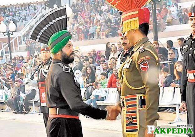 Hercharn Singh prade on wagah border