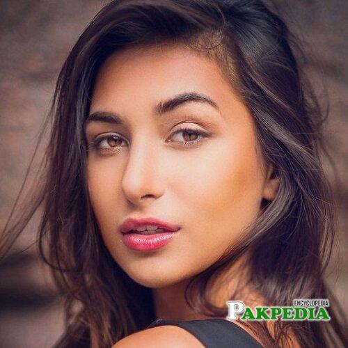 Anzhelika Tahir Model