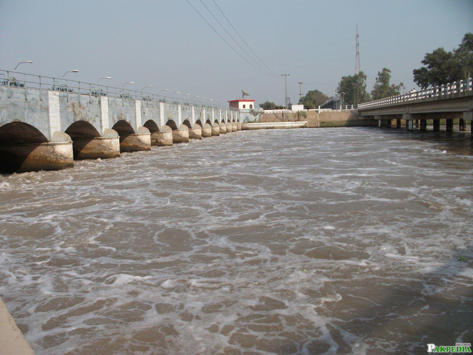 Head Baloki on Ravi River