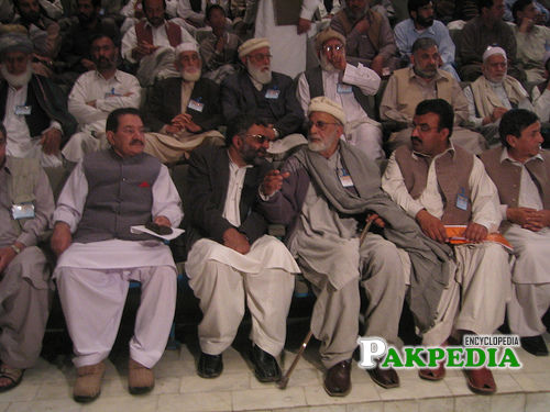 historical picture of Ajmal khatak baba and great pareshan khatak sb and others