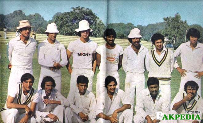 Asif Iqbal Razvi With His Team