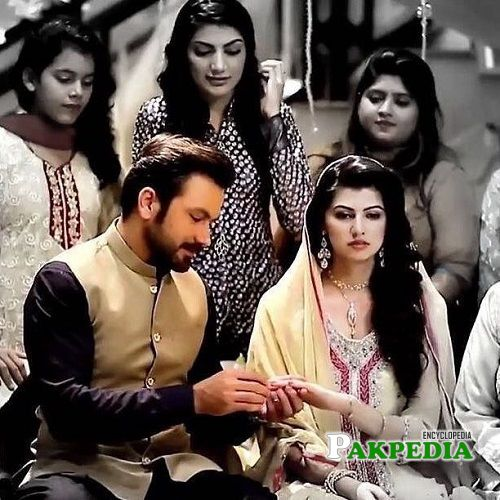 Anam gohar on sets of her drama