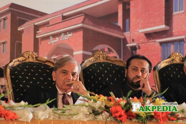 Khawaja Imran Nazir with Shahbaz Sharif in Assembly