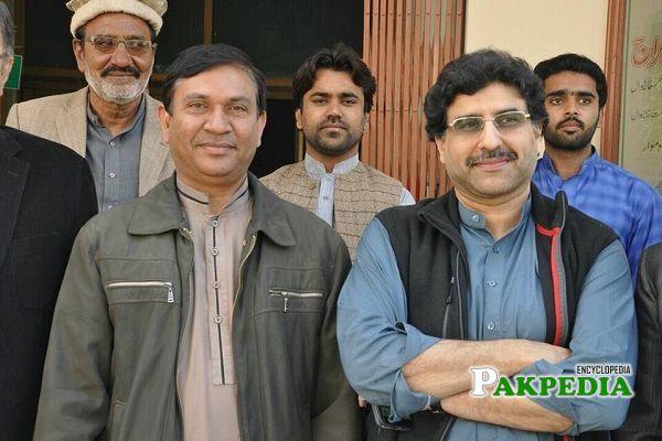 Hamid Yar Hiraj with party members