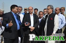 Ghulam Murtaza Khan Jatoi talking something