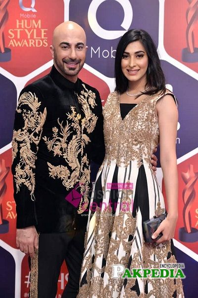 Eshal with HSY at Hum style awards
