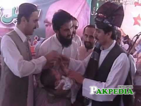 Usman kakar in a polio campaign