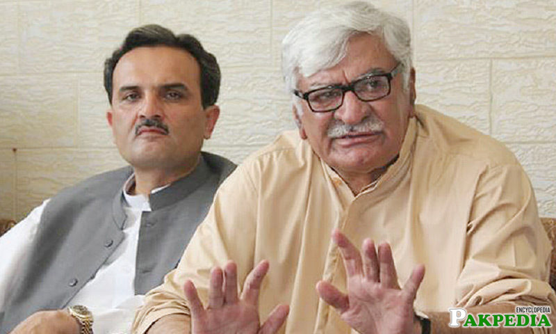 Asfandyar Wali Khan Pakistani Politician