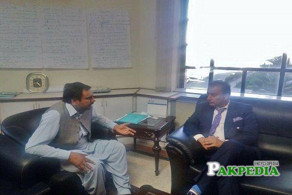 Munawar Hussain with Musadiq malik in meeting