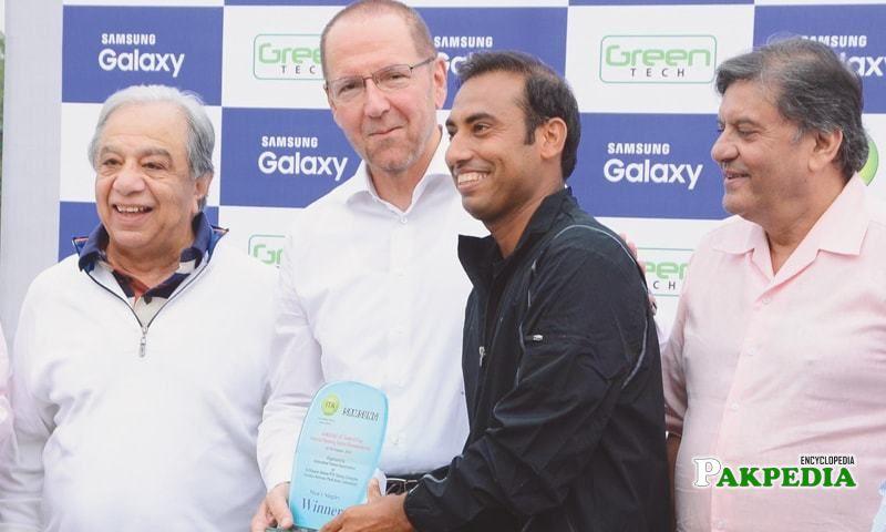 While awarding aqeel khan winning shield