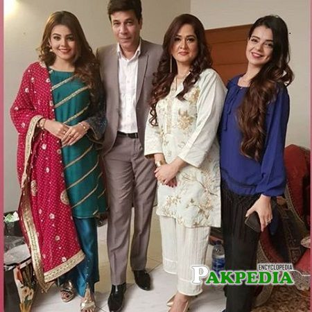 Srha Asghar on sets of 'Ki jana mein kon'