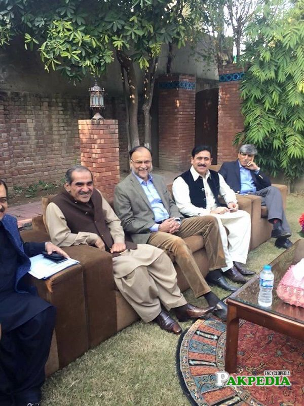 Khawaja Muhammad Waseem with members of pmln