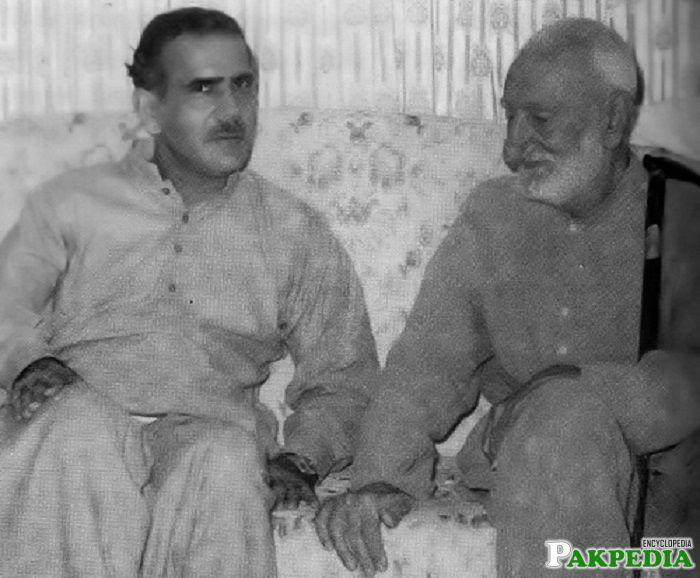 Sardar Sher Khan Mazari with Bacha Khan