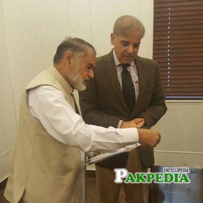 Abdul Rauf Mughal with former CM Shahbaz Sharif