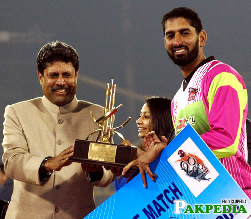 Shabbir Ahmed and Kapil Dev