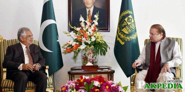 Iqbal Zafar Jhagra Sitting with Nawaz