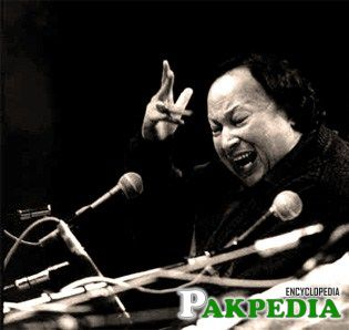 Fateh Ali Khan performs live on stage on the TV show 'Big