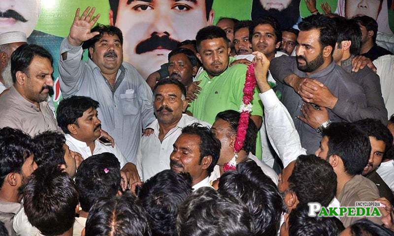 Rana Mahmood ul Hassan of PML-N addressing the supporters after Winning by eElection